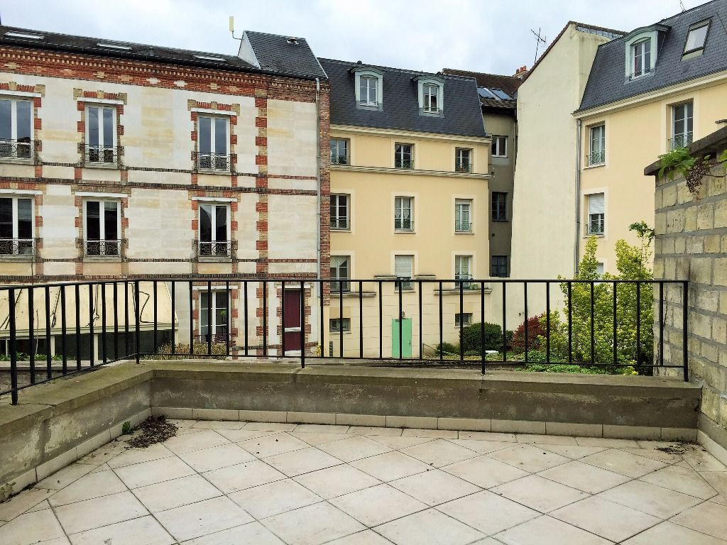 Esprit loft pour ce superbe appartement avec terrasse et for Loft et appartement